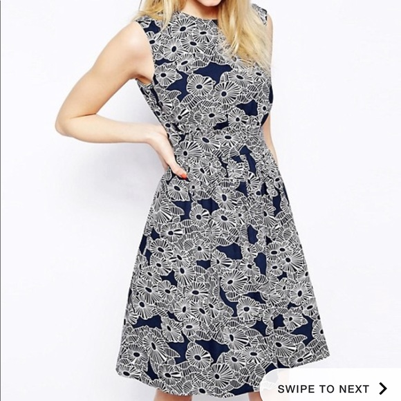 Emily and Finn Dresses & Skirts - Emily and Finn Lucy Dress NWT